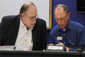Election Commission attorney Harvey Chaffin, left, and EC Chairman Bill Horton confer during the March 20 eligibility hearing. Photo: CherokeePhoenix.org