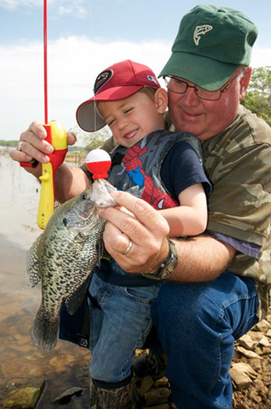 Crappie fishing on Lake Eufaula. (Photo by wildlifedepartment.com)
