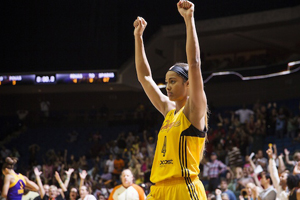 Skylar Diggins celebrates victory - photo credit: Shane Bevel of NBA/Getty