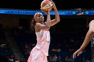 Glory Johnson, Tulsa Shock, (Photo NBAE/Getty Images)