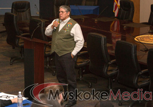 Louis Hicks speaks at a candidate forum on Dec. 6 at the Muscogee (Creek) Nation Mound building. Photo provided.