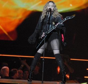 MadonnaBOK16f